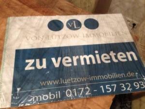 Zu vermieten Schild von Luetzow Immobilien