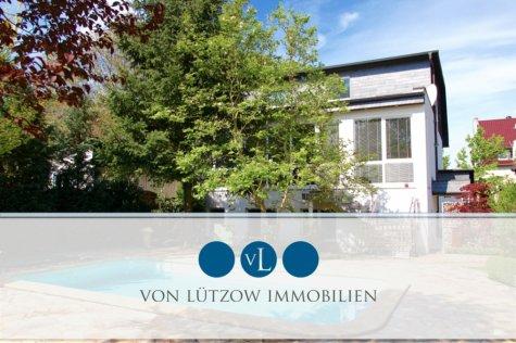 Rarität – Herrschaftliche Villa mit Einliegerwohnung, Wintergarten, Sauna, Pool, Whirlpool, Küche, 12524 Berlin / Altglienicke, Villa