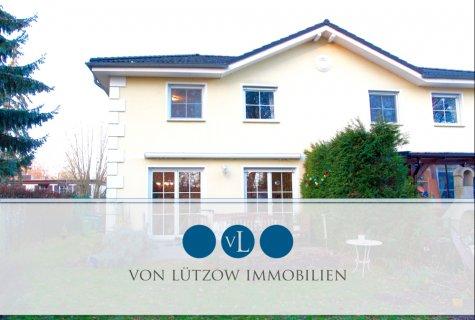 Rarität – Doppelhaushälfte l 4 Zimmer l 113 qm l 720 qm Grundstück l Klein Venedig l Seitenstraße, 15834 Rangsdorf, Doppelhaushälfte