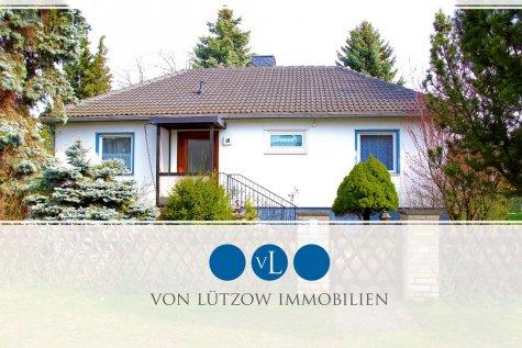 Absolute Rarität – Idylle pur mit einem Traumhaus auf wunderschönem Garten – Sauna, Ruhe, Platz, 12305 Berlin, Einfamilienhaus